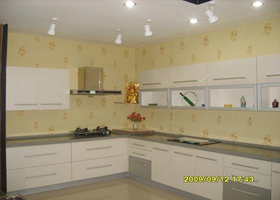 海尔厨宝安装示意图图片大全 安装在水槽下面的海尔厨宝.jpg